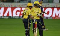 Afridi steers Zalmi home in dramatic chase