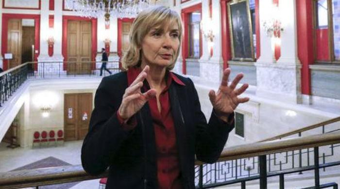 Brussels mayor imposes curfew in Molenbeek