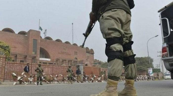 Rangers, Police arrest 33 suspects in Punjab: ISPR