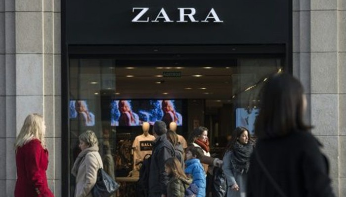 """international growth of zara Zara-inditex and the growth of fast fashion  zara store and see  gaona developed his companies and the """"fast fashion"""" model into a growing international."""