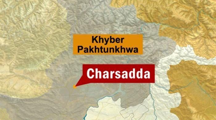 Firing on census team injures policeman in Charsadda
