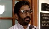 Major Indian airlines bar Shiv Sena MP for beating employee
