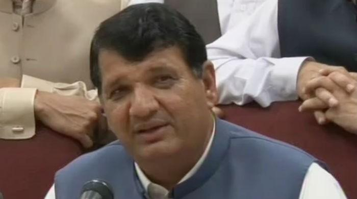 KP government uses govt helicopters as rickshaws: Ameer Muqam