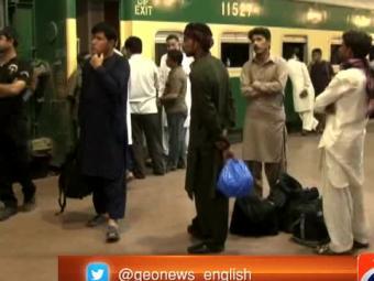 شیخوپورہ کے قریب ٹرین اور آئل ٹینکر میں تصادم،2افراد جاں بحق