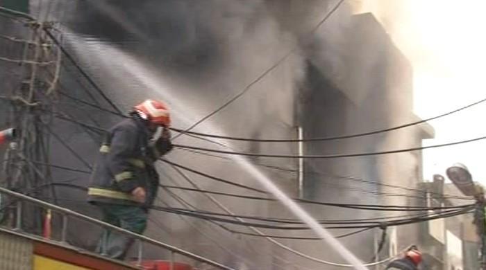 Lahore anarkali bazaar fire extinguished after 9 hours for Bano bazar anarkali lahore