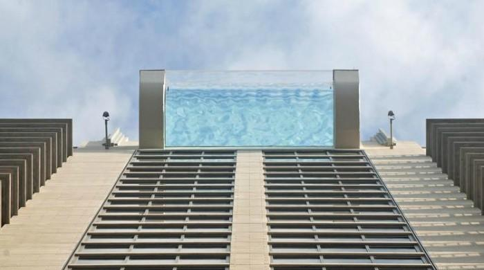 This Sky Glass Pool In Downtown Houston Will Send Shivers Down Your Spine Amazing