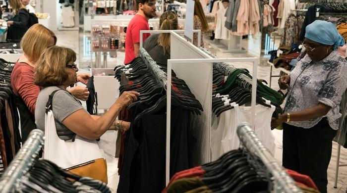 US inflation, retail sales dip in March
