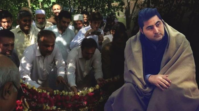 Residents, activists lead rally against Mashal's lynching in Swabi
