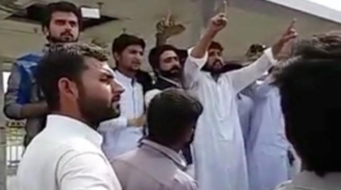 Video surfaces showing mob vowing not to reveal name of Mashal Khan's shooter
