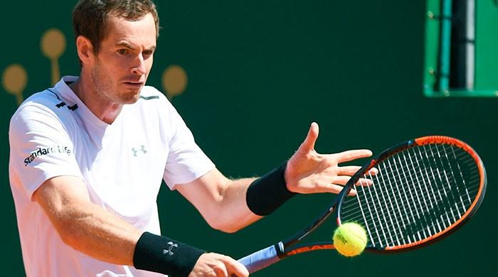 Murray makes winning return to start clay campaign