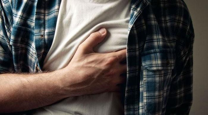 Many people stop taking life-saving drugs after heart attacks