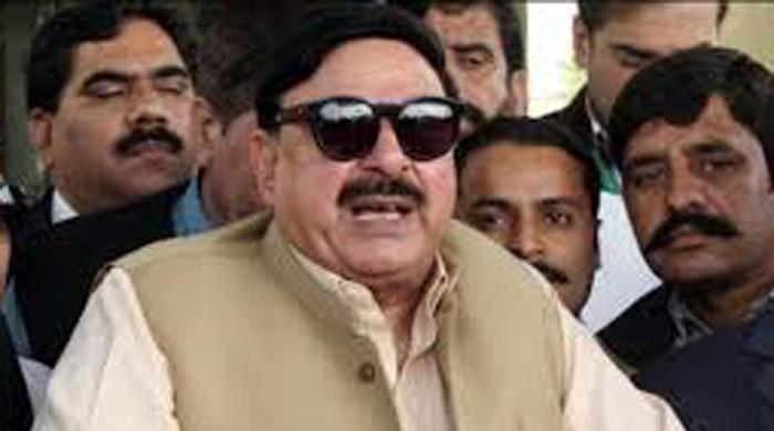 Supreme Court to give decision against PML-N, predicts Sheikh Rasheed