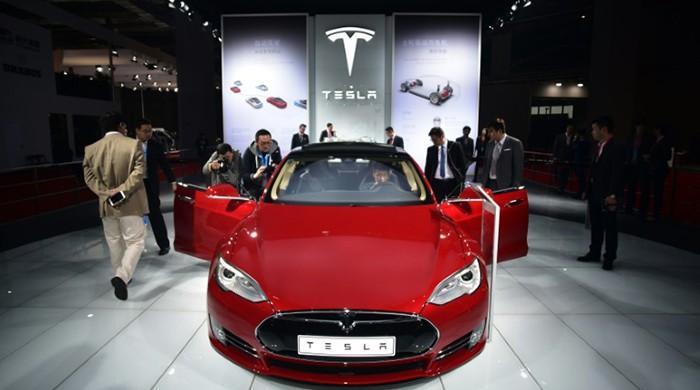 Tesla recalling cars to address brake defect