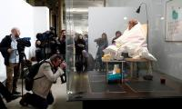 After three weeks, French artist succeeds in hatching eggs