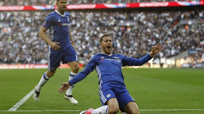 Hazard fires Chelsea into FA Cup final