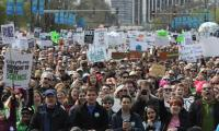 'Equations, not invasions': Over 40,000 march for science in Chicago
