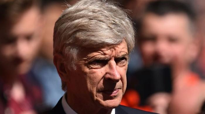 Wenger plans ahead but won't reveal future