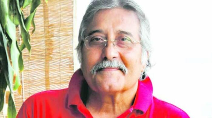 Life of veteran Bollywood actor Vinod Khanna in Pictures