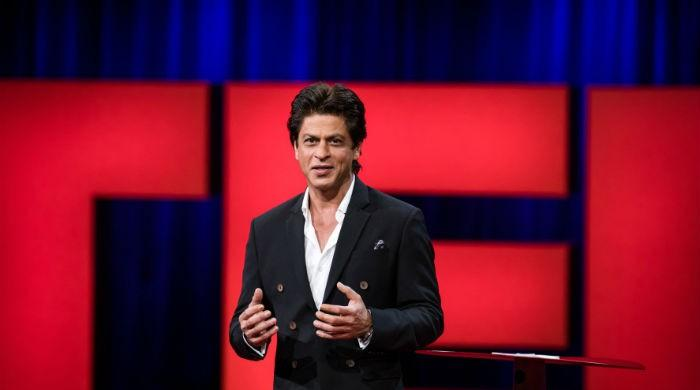 Shah Rukh Khan impresses all with 'Lungi Dance' during TED Talk