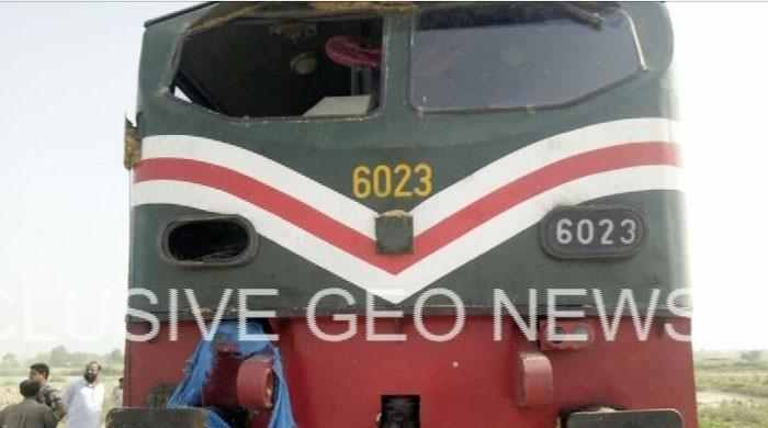 Tractor driver dies after Karachi-bound train hits his vehicle