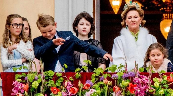 Teenage Norwegian prince dabs at royal event