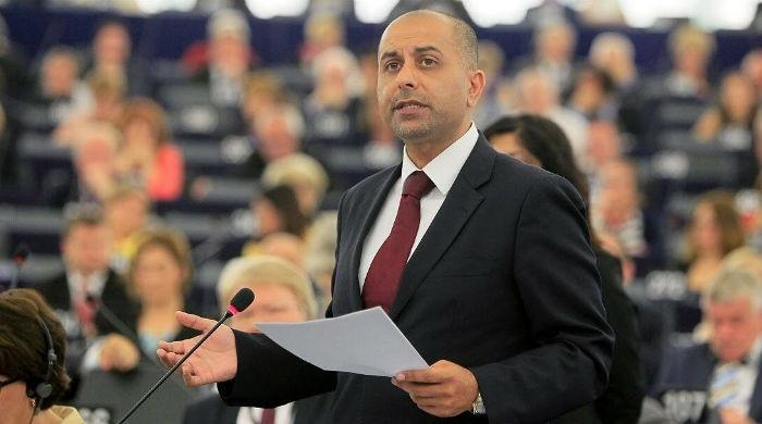 MEP Karim questions EU's silence on social media ban in Kashmir