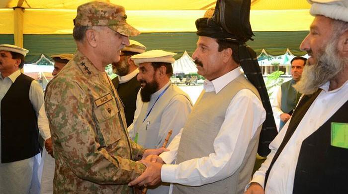 Corps Commander Peshawar visits Kurrum Agency