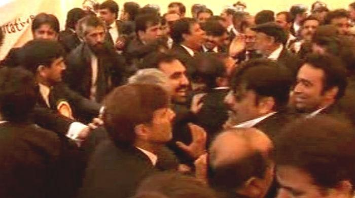 Opposing parties' lawyers clash at Lahore High Court