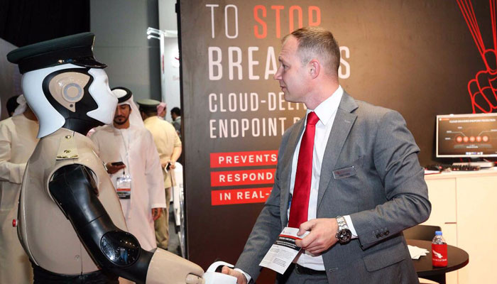 Dubai Unveils World's First 'RoboCop'