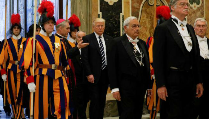 Donald Trump holds Vatican meeting with Pope Francis