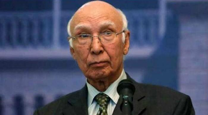 India making claims about Daesh to suppress Kashmiri struggle: Sartaj Aziz