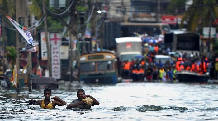 Sri Lanka rushes aid to half a million flood victims