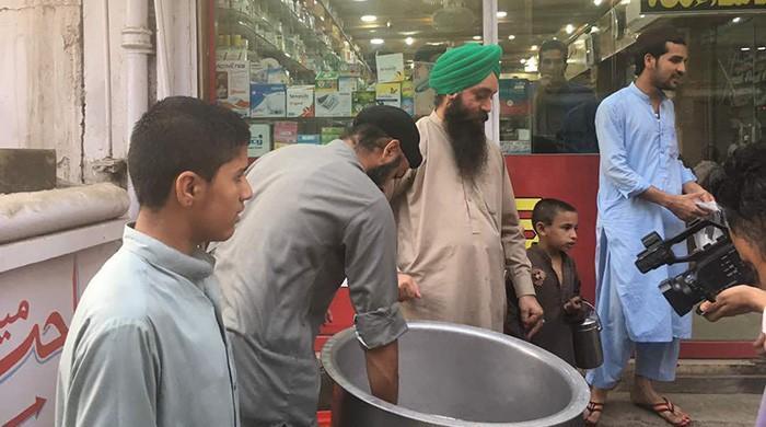 Peshawar's Sikhs are helping Muslims break their fast