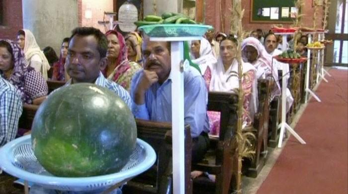 Melons, bananas adorn Lahore cathedral on Pentecost Day