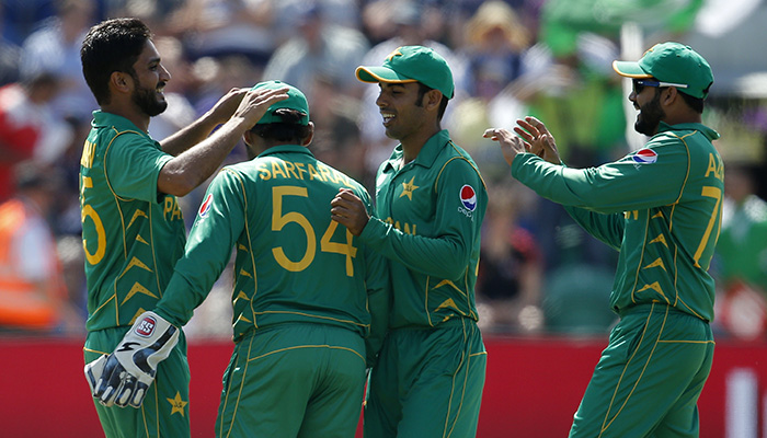 Pakistan´s Rumman Raees celebrates with teammates after England´s Alex Hales (not pictured) is caught by Babar Azam - Reuters