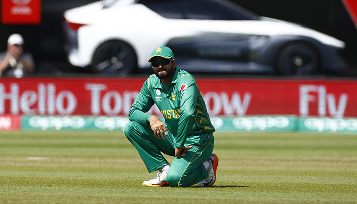 Azhar Ali reacts after a dropped catch - Reuters