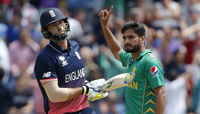 Pakistan´s Rumman Raees celebrates after taking the wicket of England´s Liam Plunkett - Reuters