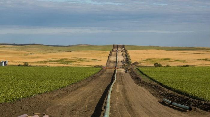 Judge orders environmental review of Dakota oil pipeline