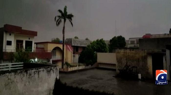Rain subsides hot weather in Lahore