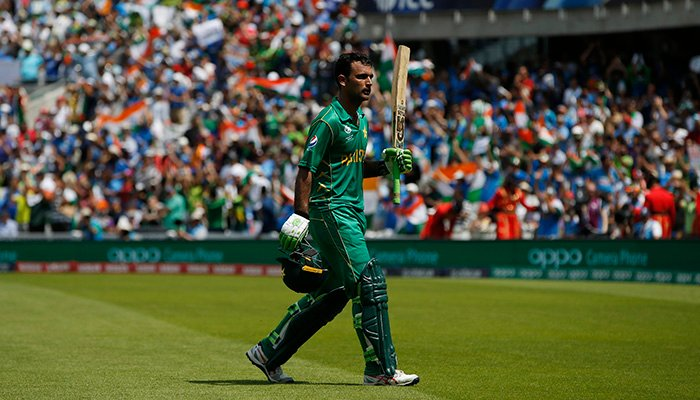 Pakistan´s Fakhar Zaman acknowledges the crowd as he walks off after losing his wicket - Reuters