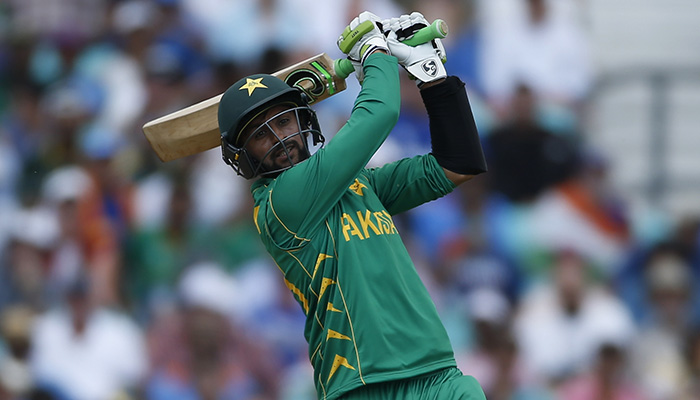 Pakistan´s Shoaib Malik in action - Reuters