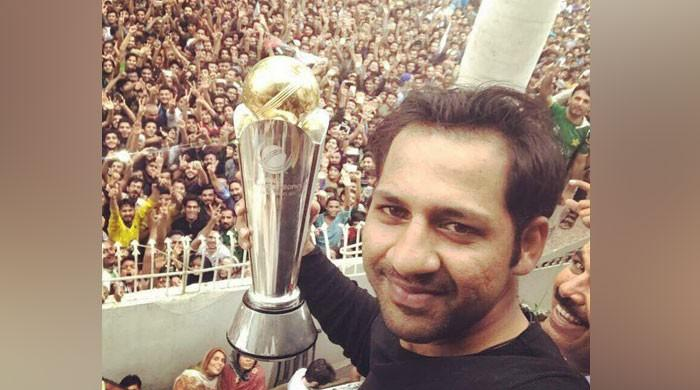 Triumphant Pakistan team returns home with trophy to hero's welcome