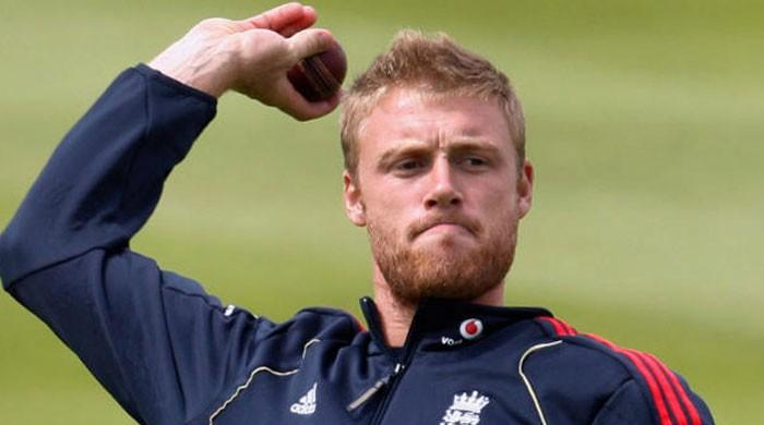 England's Flintoff to star in a musical