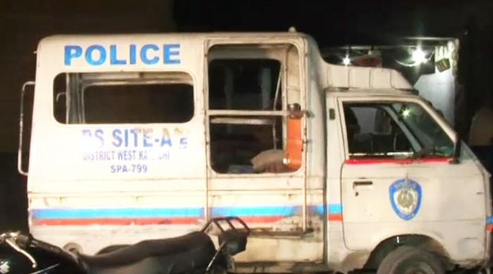 Four policemen martyred in Karachi gun attack