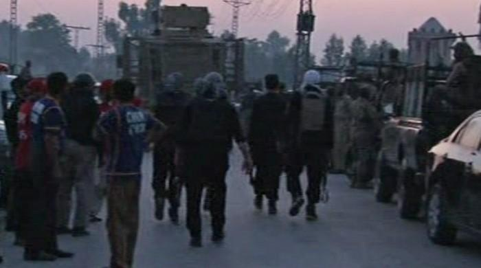 Three policemen injured in exchange of fire with terrorists in Peshawar