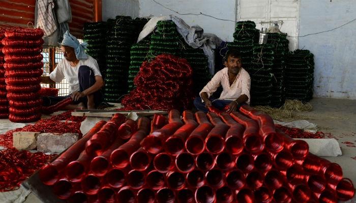 Facing Ruin India 180 S Ancient Glass Artists Blame The Taj