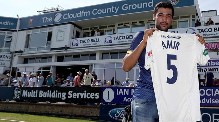Pakistan star Amir continues form in English county debut