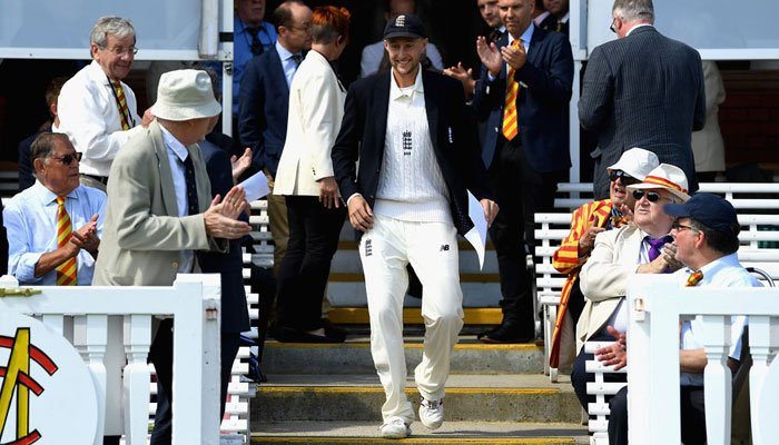 """Root misses double ton, England in control"""""""