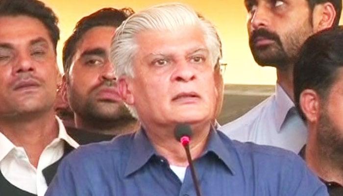 Ishaq Dar premier's 'frontman': Imran