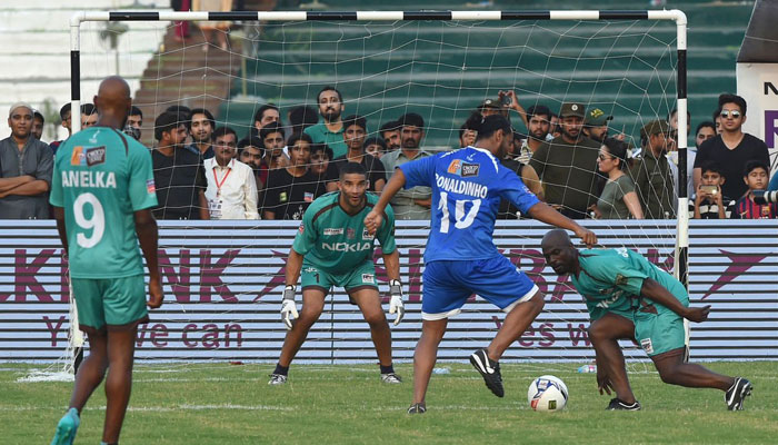 Ryan Giggs is impressed with Pakistan youngsters' love for football